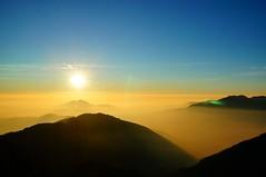 temperature of light (ConstantFlux) Tags: yallow blue sun mountain silhouette taiwan nantou color magicmoment magichour goldenhour sunset
