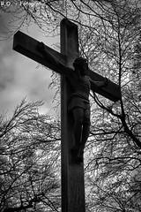 mystisch / mystical (R.O. - Fotografie) Tags: jesus christ kreuz cross crucifix black white bw schwarzweiss schwarzweis schwarz und weis bume trees wolken clouds panasonic lumix dmcfz1000 dmc fz1000 fz 1000 bad driburg nrw deutschland germany