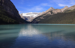 In The Quiet Of The Morning (AnyMotion) Tags: lakelouise lake see glacier gletscher mountains berge 2016 anymotion reisen travel canada kanada banffnationalpark alberta 6d canoneos6d colours colors farben landscape landschaft landschaftsaufnahmen ngc npc