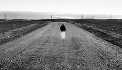 (Lola Tejada) Tags: bn black blackwhite blanco negro white niño boy camino picture personas córdoba imagen movimiento