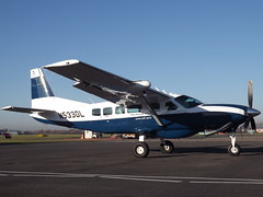 N533DL Cessna Caravan 208 Aerodynamics (Aircaft @ Gloucestershire Airport By James) Tags: gloucestershire airport n533dl cessna caravan 208 aerodynamics egbj james lloyds