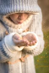 Have a sparkly Christmas •explore• (Monica Fiuza) Tags: navidad christmas xmas invierno winter niño kid purpurina brillantina glitter sparklychristmas merrychristmas feliznavidad