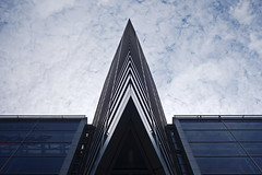 Sailing into the sky (N808PV) Tags: rx100 ship sail sky building mall central world