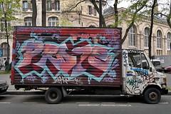 20A - Bvd de Ménilmontant (o_Ouissem) Tags: street paris art car truck graffiti camion vehicle van graff paris20 prope camtar