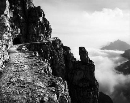 Monte Pasubio, Strada degli Eroi