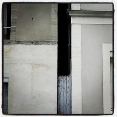 |-| (Msieur J. [version 9.1]) Tags: facade square lofi squareformat entre maison barrire entredeux beetween villle iphoneography instagramapp uploaded:by=instagram