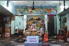 Chamunda (abhishek parmar) Tags: india temple pooja fujifilm priest puri aarti jagannath x100 rathyatra chamunda odisha