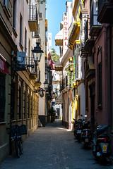 Narrow street of Seville (Joo Madeira) Tags: street canon calle sevilla spain espanha seville espana rua sevilha canon400d