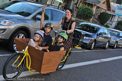 Finch-fiets unveiling at Velo Cult-19 (BikePortland.org) Tags: cargobikes metrofiets emilyfinch finchfiets