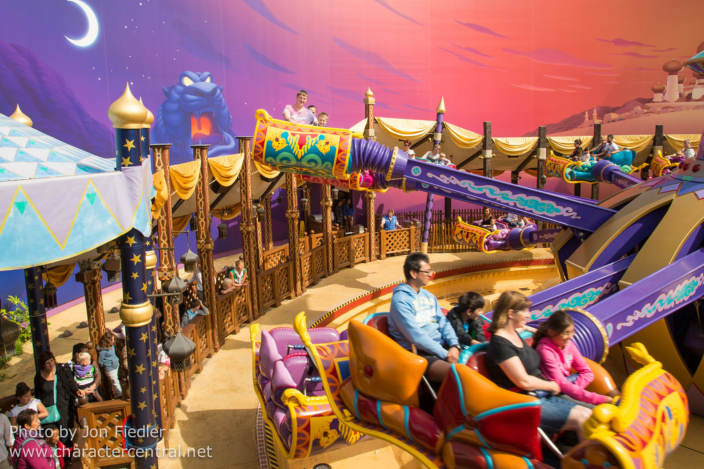 Les Tapis Volants Flying Carpets Over Agrabah At Disney Character