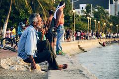 La constante (victor mendivil) Tags: sunset costa atardecer mar colombia sigma verano malecon sentado anciano santamarta ocaso magdalena pensar hombre oceanoatlantico ltytr1 18200mmf3563dcos d7000 victormendivil