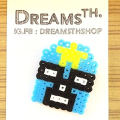 ♥︎ DREAMSTHSHOP ♥︎  เข็มกลัดหน้ากากนักมวยปล้ำ เป็นงาน HANDMADE ผลิตจาก PERLER BEADS . ราคา 100 บาทค่ะ (ไม่รวมค่าจัดส่งค่ะ) . --------------------------- ติดต่อสอบถาม, สั่งซื้อสินค้า : FB.IG : DREAMSTHSHOP . --------------------------- #HANDMADE #DIY #CUTE