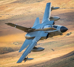 Tonker #2 (G&R) Tags: mach loop lfa7 canon 7d2 machynlleth dolgellau low level flying aviation military aircraft wales tornado