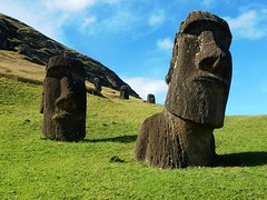 Moais in Rano Raraku - Rapa Nui - Eastern island - Chile (pacoalfonso) Tags: moai statue quarry rano raraku pacoalfonsocom chile rapa nui eastern island pacific travel