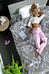 Cora's morning (svetlana.titova) Tags: doll dollclothes dollfurniture dollaccessories dollhouse dollminiature diorama roombox onesixth onesixthscale dollphotography mattel barbie barbiemadetomove madetomovebarbie barbiefashionistas barbiestyle barbieoutfit mbili