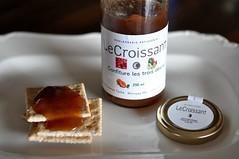 Le Croissant (Jeannette Greaves) Tags: boulangerie patisserie tache winnipeg abricots melons framboises 2016
