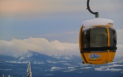Gondola (Eddie the Explorer) Tags: gondola bigwhite snow bc britishcolumbia bigwhiteskiresort mountains landscape clouds