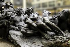 Szene des Ehebrunnen - Nrnberg (Hans Sachs) (Real_Aragorn) Tags: nrnberg neremberg franken hans sachs ehebrunnen franconia