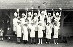 1925 (vers) Fte des Ecoles 02 (HCLM) Tags: ecole elves enfants garons filles possonnire educationnationnale
