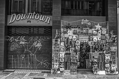 (Amateur Photographer; Art Director; Passionate abo) Tags: verdejando redeglobo downtown bnw pb lojinha store sampa brazil city