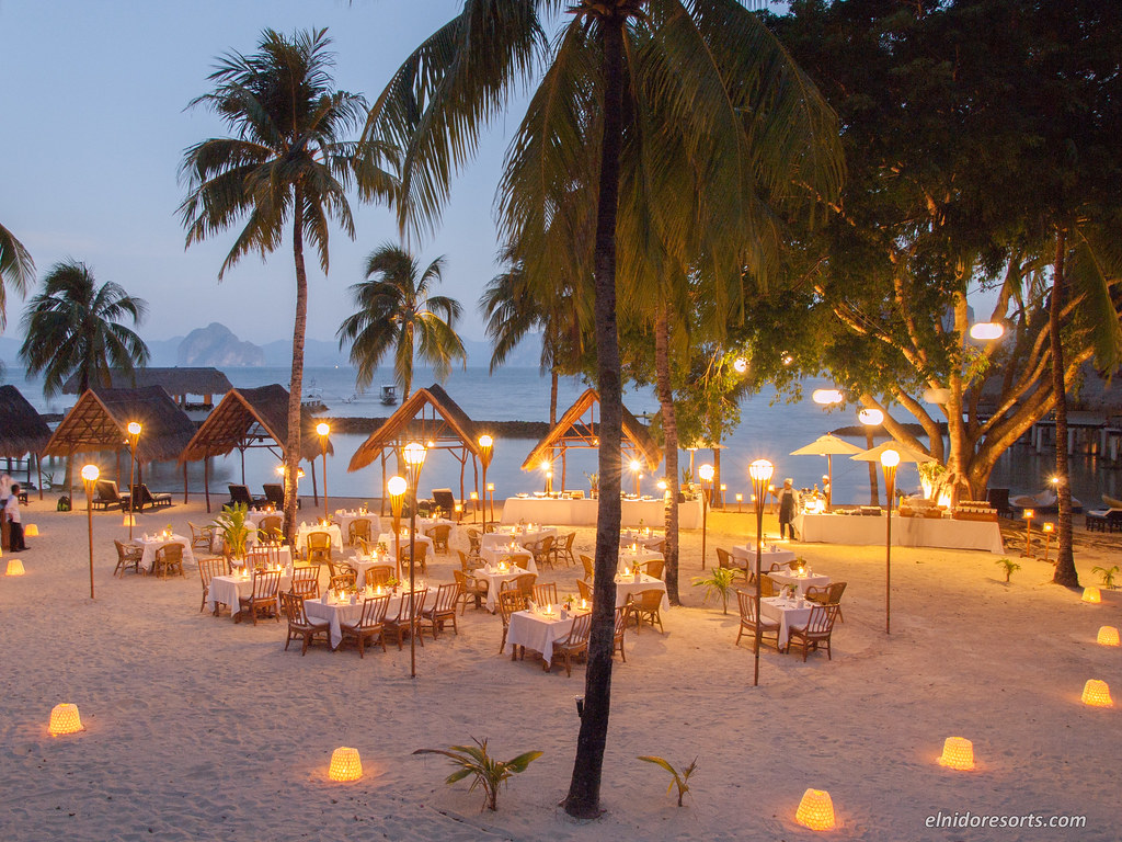 Miniloc Island - Beach Dinner (Photocourtesy of El Nido Resorts)