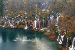 Autumn's End (hapulcu) Tags: croatia croatie croazia croacie plitvice hrvatska horvatorszag hirvatistan autumn fall waterfall herbst