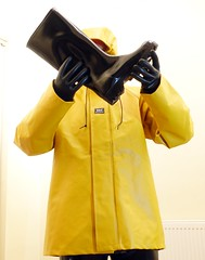 Indoor Explorer (essex_mud_explorer) Tags: helly hansen nusfjord hellyhansen raincoat rainwear gloves gauntlets marigoldemperor me107 rubber nora dolomit wellies wellingtons wellington boots gummistiefel gumboots rainboots