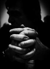 Dieu regarde les mains pures, non les mains pleines. (www.danbouteiller.com) Tags: ricoh ricohgr ricohgr2 hands hand mains main face visage portrait portraiture gr gr2 grii mono monochrome monochromatic black white noir blanc nb bw noiretblanc noirblanc 28mm blackandwhite blackwhite blacknwhite doigts fingers finger doigt people