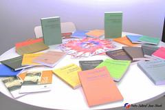 "Donación de libros de Juan Bosch al Centro Juvenil Chamberí (Madrid) • <a style=""font-size:0.8em;"" href=""http://www.flickr.com/photos/136092263@N07/31293391051/"" target=""_blank"">View on Flickr</a>"