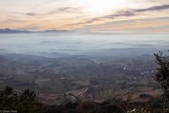 Balcn de la Sonsierra-La Rioja- (Charo R.) Tags: montaa aire libre paisaje niebla canon eos 100d cielo montaas