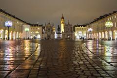 """Il """"salotto"""" colorato di Torino - The colored """"drawing room"""" of Turin. (sinetempore) Tags: ilsalottocoloratoditorino thecoloreddrawing roomofturin piazzasancarlo torino turin lucidartistatorino luci lights lucicolorate coloredlights piazzabagnata pioggia rain notte night sera evening"""