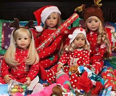 Santas Little Helpers (thedollydreamer) Tags: masterpiecedolls realistic doll masterpiece vinyl blonde monikalevenig santashelpers amelia emma desiree phoebe limitededition thedollydreamer