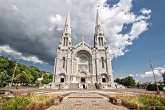 Sainte Anne de Beaupré Basilica (Québec, Canada) (Andrea Moscato) Tags: andreamoscato canada america architecture architettura church chiesa chatolic sanctuary shrine building sky clouds cielo nuvole history historic ancient green blue white shadow light perspective view vivid day