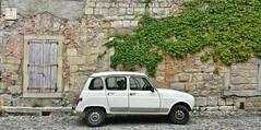 Renault 4 in Lagrasse, France (Randy Durrum) Tags: street france europe eu samsung ivy renault cobblestones lagrasse dailyfrenchpod durrum leuropepittoresque snapseed flickrandroidapp:filter=none