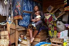 6150 (Eleri Griffiths) Tags: children westafrica cameroon bamenda foodmarketwomenmother