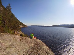 Me small. Norway big. Norsj, Telemark, #paddling #SUP (@heidenstrom) Tags: