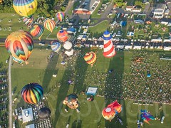 Hot Air Balloons Mass Ascension, 2014 QuickChek New Jersey Festival of Ballooning (jag9889) Tags: usa festival bag newjersey airport unitedstates aviation unitedstatesofamerica hotair balloon flight nj aerialview envelope hotairballoon gondola burner ballooning conveniencestore gardenstate foodstore 2014 hunterdoncounty readington quickchek solbergairport wickerbasket balloonist newjerseyfestivalofballooning balloonaircraft n51 openflame readingtontownship quickcheknewjerseyfestivalofballooning heatedair jag9889 solberghunterdonairport 20140725