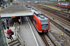 423 076, Mnchen Hackerbrcke (Howard_Pulling) Tags: camera train germany munich bayern deutschland bavaria nikon july rail railway zug trains german munchen bahn 2014 howardpulling d5100