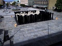 Carpet on Gtaplatsen (Eva the Weaver) Tags: sculpture white black wool gteborg carpet gothenburg pile sculpted joannarajkowska