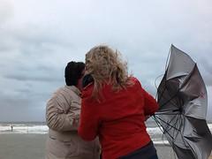 August_2014 mein Kampf... mit dem Schirm. (R.S. aus W.) Tags: wetter weather sturm storm wind wellen strömung gefahr regen wasser schirm haare flattern kaputt