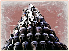 Monument grec, dalle du Mmorial Interalli de Lige, Greek monument, flagstone Allies' Memorial in Lige (claude lina) Tags: belgium belgique dalle lige casques cointe spartiate mmorialinteralli alliesmemorial monumentgrec