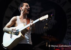 "LA_MODA (Manu Cabaleiro) Tags: light music festival rock concert raw live gig concierto valladolid fest directo lamoda ""livemusic"" ""canon5d"" ""markii"" ""manucabaleiro"" ""fotografiamusical"" ""musicphotography"" ""lamaravillosaorquestadelalcohol"" ""cubiertalaflecha"""