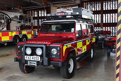 NIFRS / RT-197 / FXZ 4032 / Land Rover Defender / Specialist Rescue Team / 4x4 Vehicle (Nick 999) Tags: blue ireland rescue station fire lights team call 4x4 central rover belfast led tango land romeo vehicle leds service northern firefighters defender 999 sirens srt 4032 197 specialist fxz nifrs northernirelandfirerescueservice rt197