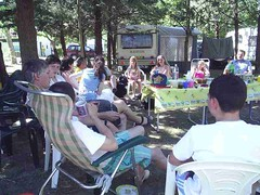 mot-2006-remoulins-pic_0095_jessicas-tea-party-1_800x600
