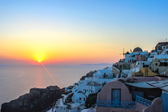 Santorini Oia Sunset (Enis_Photographer) Tags: houses sunset red white beautiful canon landscape famous greece oia 2014