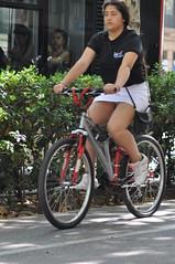 Estiu en bici per Barcelona (Bart Omeu) Tags: barcelona bike bcn bicicleta bici bicibcn changeyouliferideabike
