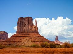 2010-USA-MonumentValley-1000390 (Mille.12) Tags: arizona usa landscape utah canyon valley western navajo monumentvalley landschaft tal wste 2010 indianreservation navajotribalpark oljatomonumentvalley