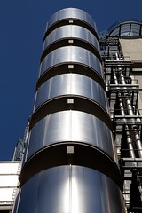Lloyd's (itmpa) Tags: london skyscraper canon office hightech 1970s 1980s insurance lloyds limestreet listed cityoflondon grade1 lloydsbuilding 6d richardrogers lloydsoflondon rrp richardrogerspartnership ovearuppartners canon6d tomparnell itmpa 197886 archhist