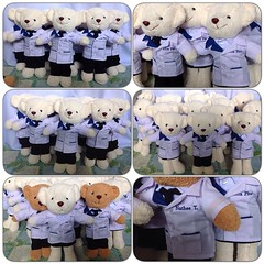น้องหมีชุดเภสัช พร้อมปัก exta plus บริษัท cpall ผลิตราคาส่ง ราคาปลีก ตุ๊กตาหมี ชุดตุ๊กตาหมี ออกแบบทุกชุด ชุดอาชีพ หมอ พยาบาล  ทหารเรือ ทหารบก เตรียมทหาร  ชุดนานาชาติ กิโมโน ฮันบก ชุดไทย ชุดแต่งงาน บ่าวสาว ชุดนักเรียน ประถม มัธยม มหาลัย ชุดเทวันโด้  ชุดแฟน