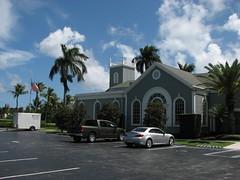 Royal Poinciana Chapel (Terry Hassan) Tags: usa florida palmbeach palm flaglermuseum church chapel tree carpark
